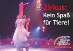 """Zirkus-Plakat: Elefant mit Artisten und Slogan """"Zirkus: Kein Spass für Tiere!"""""""