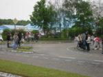 Mahnwache mit Plakaten und Fahnen gegen Circus Krone in Rastatt