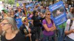 Demo-Teilnehmer_innen Massentierhaltung